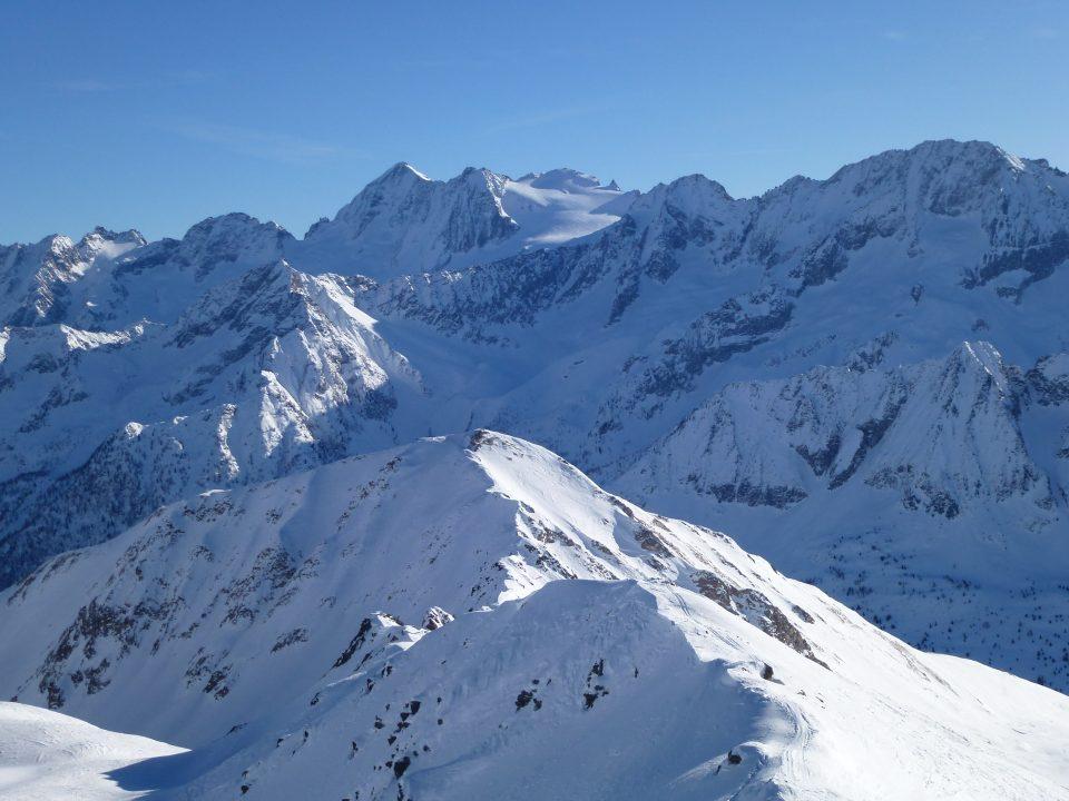 Passo dei Contrabbandieri (2681 m) e Monte Tonale Occidentale (2694 m) da Ponte di Legno– 29/12/2019