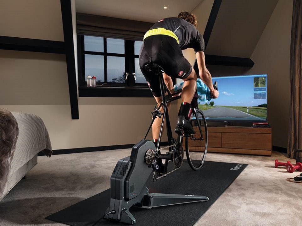 Le migliori applicazioni per il ciclismo indoor: guida alla scelta