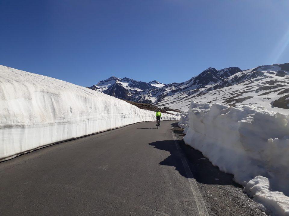 Passo Gavia (2621 m) da Ponte di Legno e Passo Mortirolo (1852 m) da Grosio – 01/06/2020