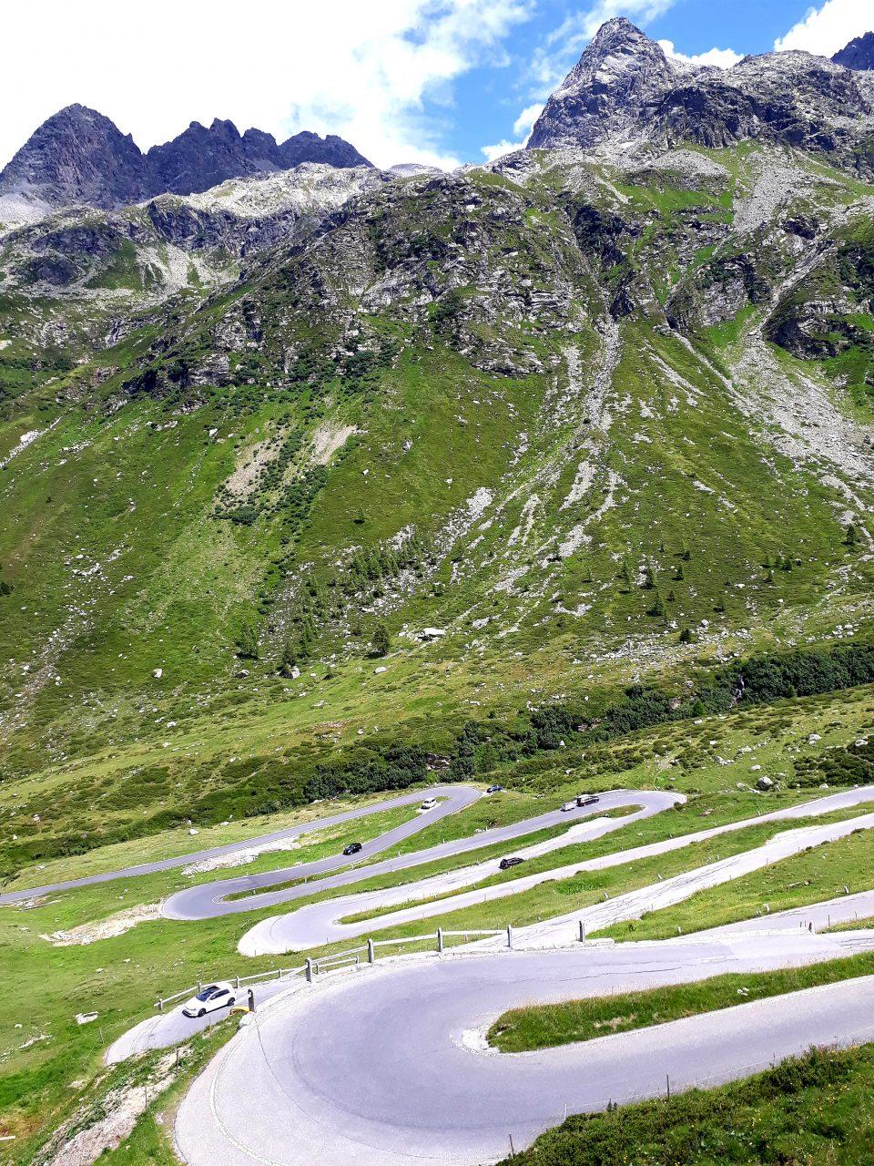 Giro dei passi svizzeri: Maloja, Julier e Spluga – 25/07/2020